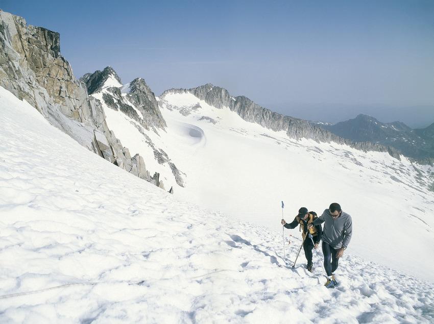 Mountaineering in the Cadí-Moixeró Natural Park.