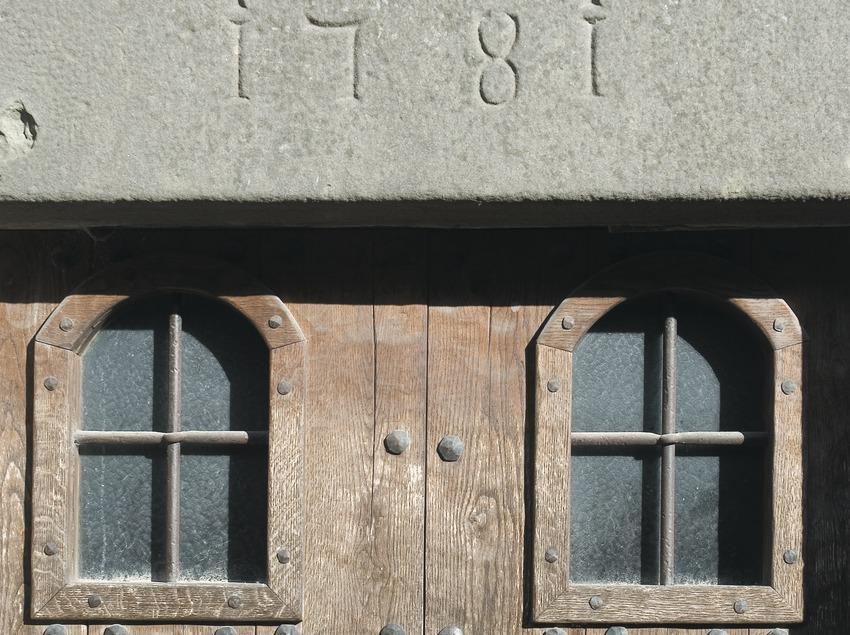 Detall d'una porta  (Servicios Editoriales Georama)