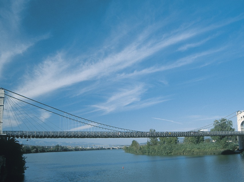 Puente sobre el río Ebro  (Servicios Editoriales Georama)