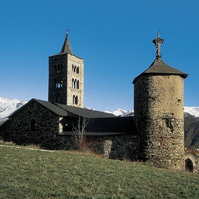 Torre de les Hores i església romànica de Son.