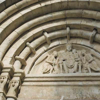 Detall de la portada de l'església de Vallbona de les Monges  (Servicios Editoriales Georama)