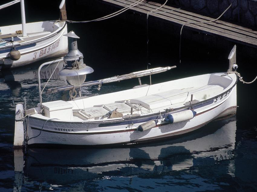 Embarcación en el puerto del Estartit  (Servicios Editoriales Georama)