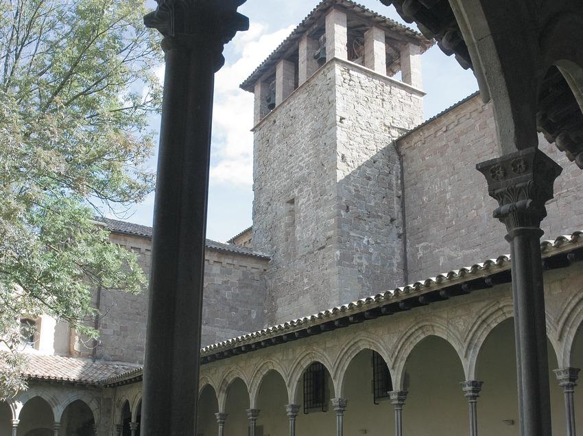 Claustro del monasterio de Sant Joan de les Abadesses