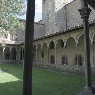 Cloître du monastère Sant Joan de les Abadesses