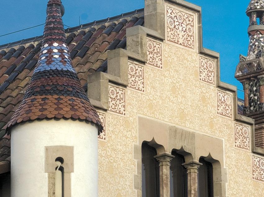 Detalle de la fachada de Can Garí.  (Turismo Verde S.L.)