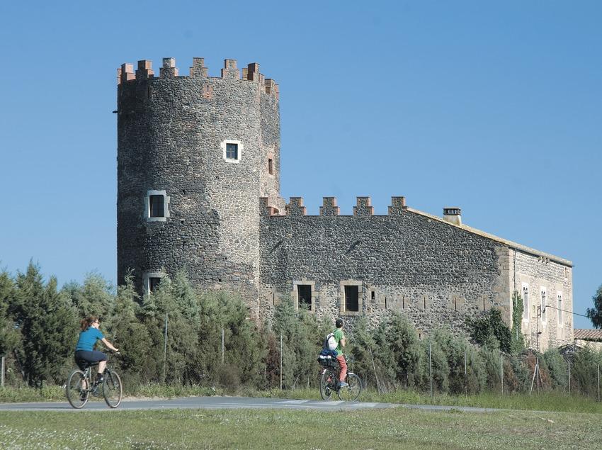 Torre Marata  (Servicios Editoriales Georama)