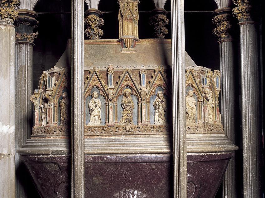 Mausoleo de Pere el Gran en la iglesia del Real Monasterio de Santes Creus.  (Imagen M.A.S.)
