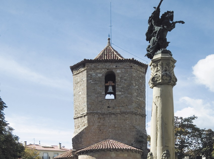 Église Sant Joanipol et monument au comte Arnau