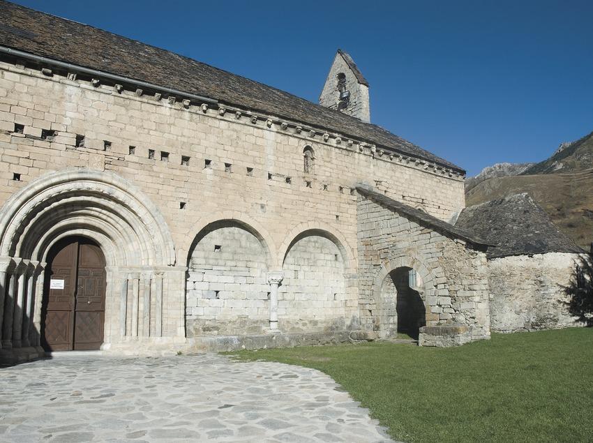Façana de migdia de l'església de Sant Andreu