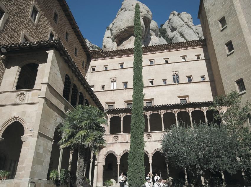 Claustro del monasterio de Montserrat  (Servicios Editoriales Georama)
