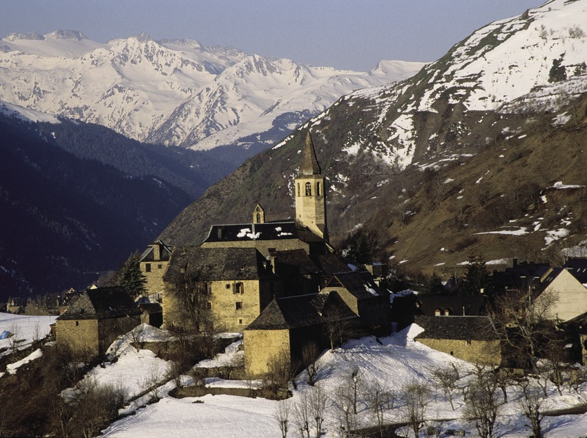 Snow covered view of the locality