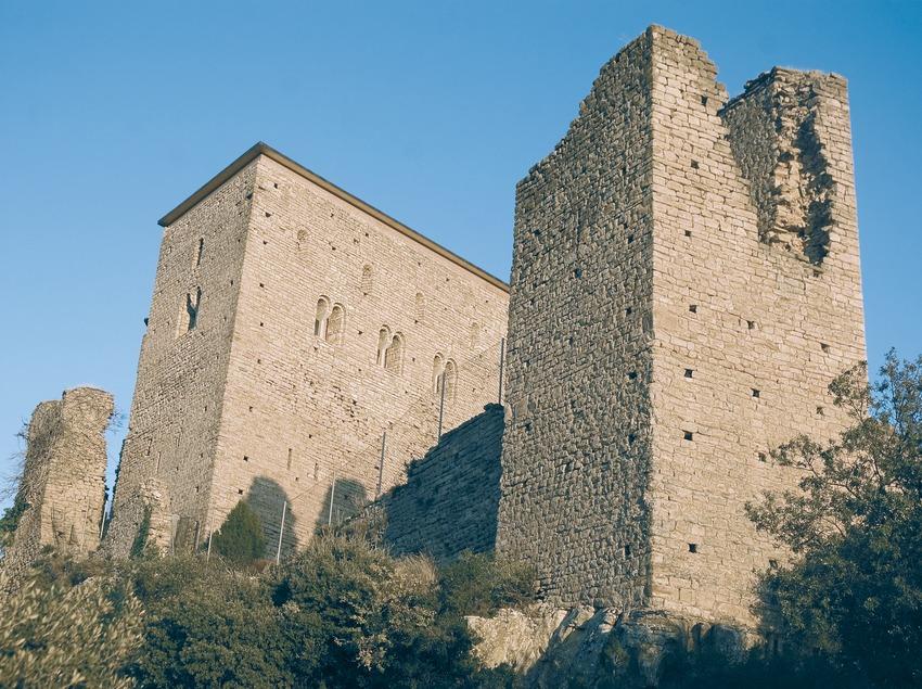 Castillo de Llordà (Servicios Editoriales Georama)