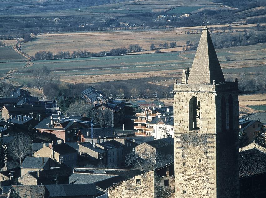 Vista del centro histórico e iglesia de la Mare de Déu dels Àngels  (Servicios Editoriales Georama)