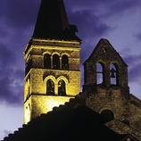 Night-time view of the church of Santa Maria.  (José Luis Rodríguez)