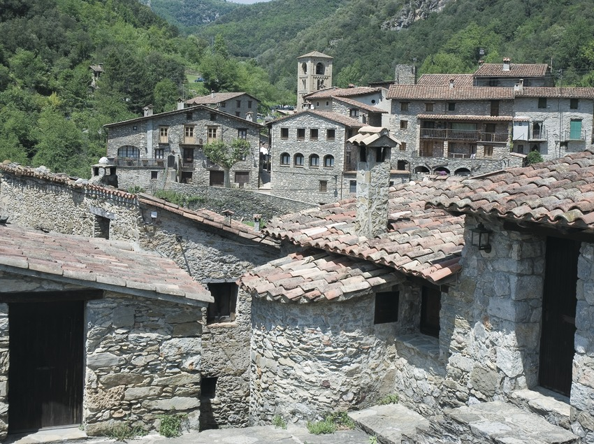 Arquitectura tradicional en el pueblo de Beget