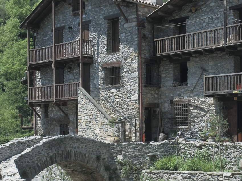 Carrer de Beget  (Servicios Editoriales Georama)