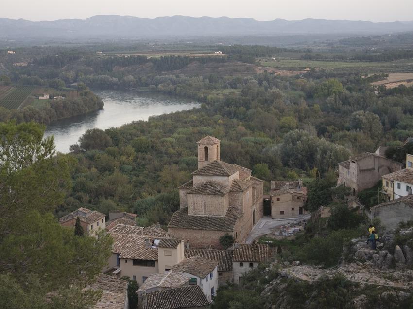 Vista de la localidad y el río Ebro  (Miguel Raurich)