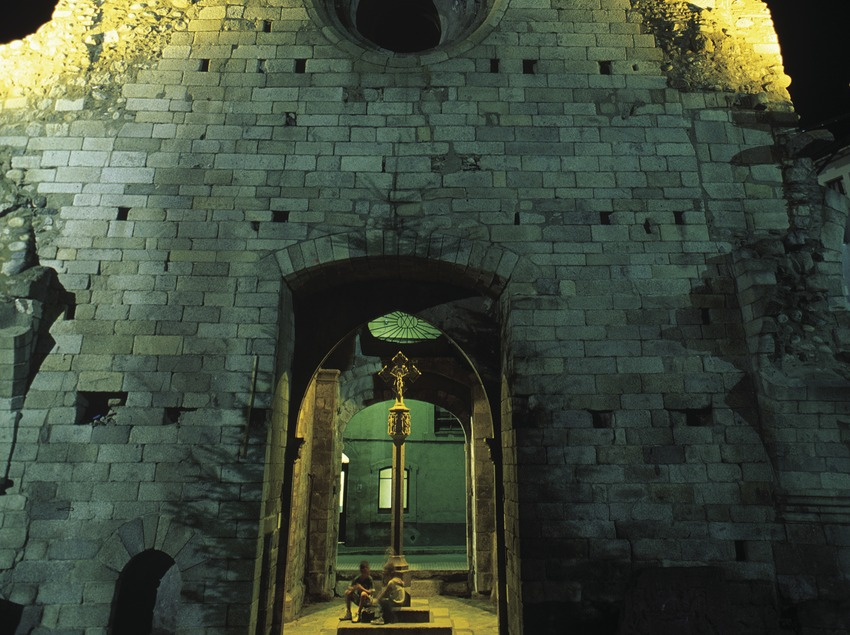 Night-time view of the bell tower of Santa Maria