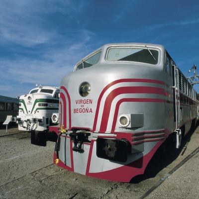 Locomotora en el Museo del Ferrocarril  (Turismo Verde S.L.)