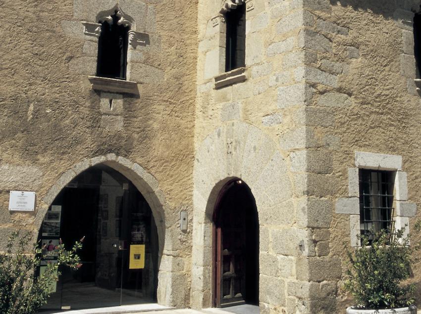 Archive historique Jaume Clavell i Nogueras, dans la maison gothique.  (Turismo Verde S.L.)
