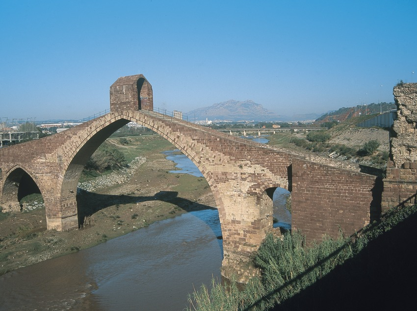 Pont del Diable oder die Brücke Sant Bartomeu über dem Llobregat  (Servicios Editoriales Georama)