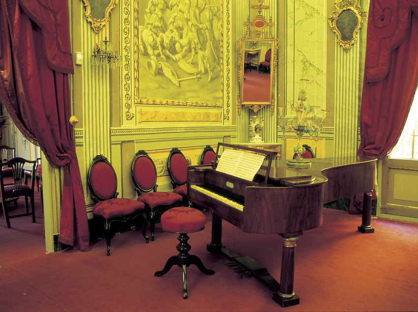 Music room in the Romantic Museum of Can Llopis  (Turismo Verde S.L.)