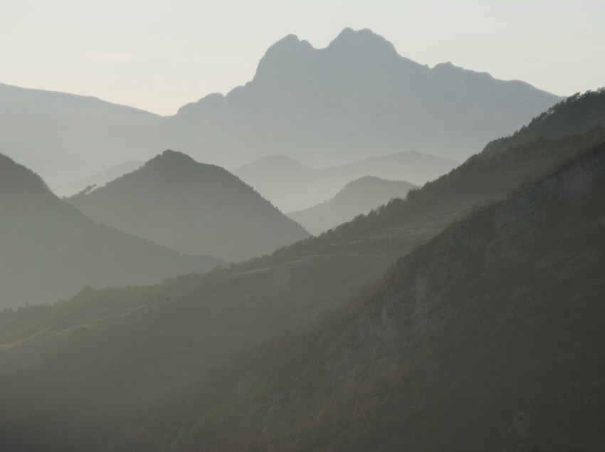 Die Gebirgskette Cadí und der Berg Pedraforca im Naturpark Cadí-Moixeró  (Servicios Editoriales Georama)