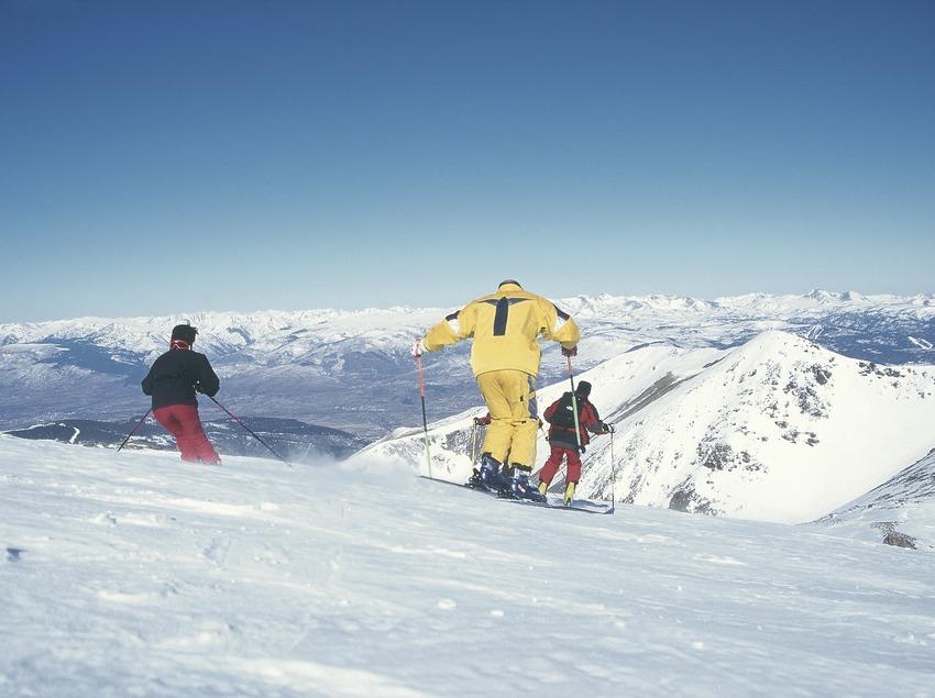 Esquí fora de pistes. Descens del Puigmal. Heliesquí.