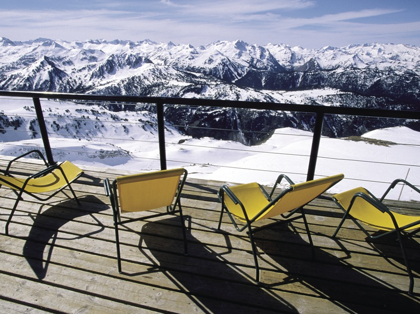 Skifahrer an der Skistation von Baqueira Beret