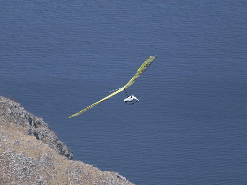 Ala delta en el Cabo de Creus.  (Daniel Julián)