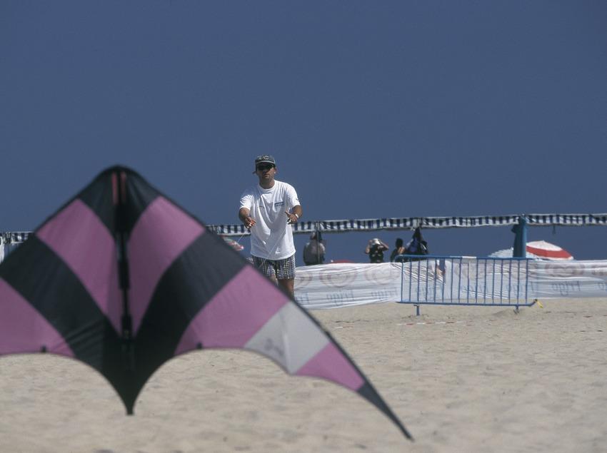 Kites  (Daniel Julián)