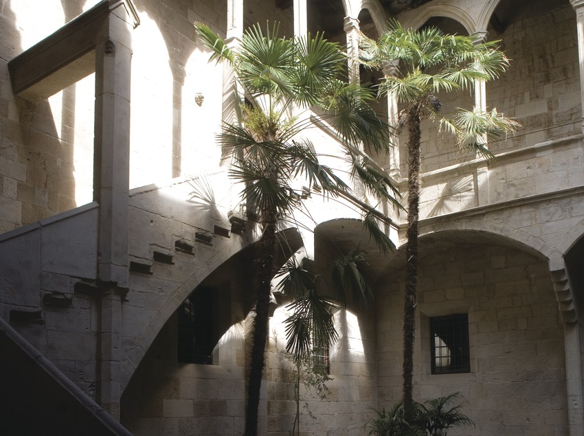 Courtyard of the old hospital of Santa Maria, home to the Institut d'Estudis Ilerdencs  (Miguel Raurich)