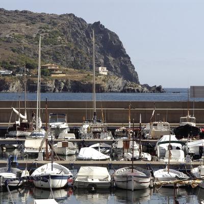 Embarcations accostées au port de plaisance de Colera  (Marc Ripol)