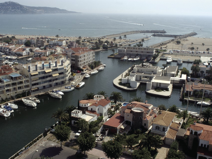 View of the port and estuary of the Empuriabrava Marina  (Marc Ripol)