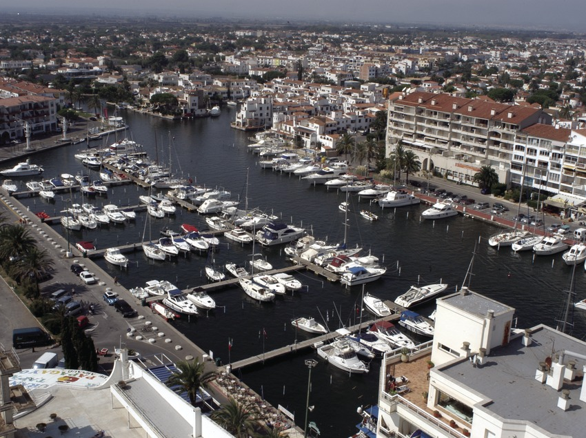 Vista general del Port Esportiu Marina d'Empuriabrava  (Marc Ripol)