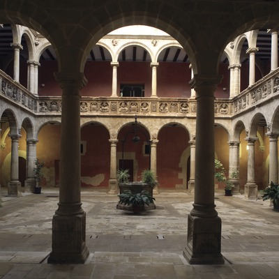 Courtyard of the school of Sant Jaume i Sant Maties