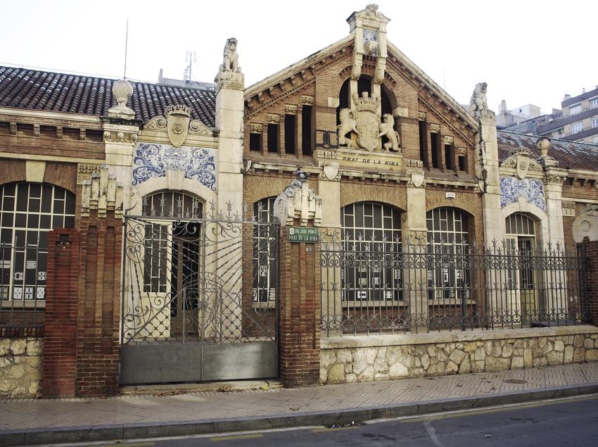 Façade de l'institut scolaire de Prat de la Riba  (Miguel Raurich)