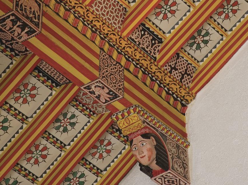 Deatil of the coffered ceiling of Santa Maria de Paretdelgada sanctuary  (Miguel Raurich)