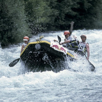 Rafting per la Noguera Pallaresa.  (Daniel Julián)