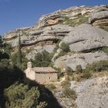Ermita de Sant Bartomeu al Congost de Fregarau a la serra de Montsant
