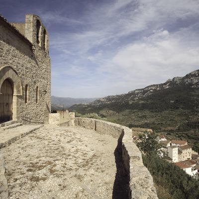 Vista de la localitat des de l'església de Santa Maria, al Parc Natural dels Ports  (Miguel Raurich)
