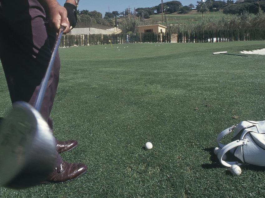 Joueur au club de golf Llavaneras  (Marc Ripol)