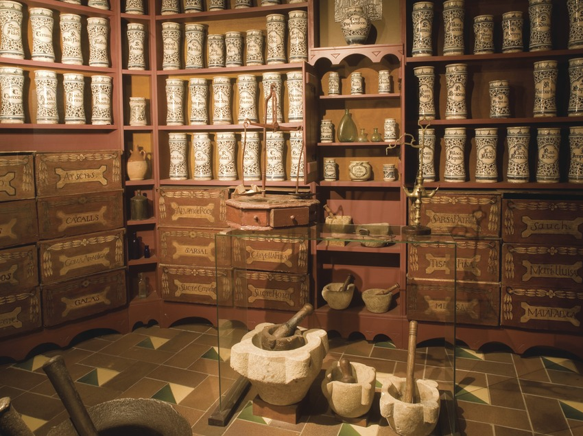 Reproduction of an old chemist's in the Regional Museum of Conca de Barberà  (Miguel Raurich)
