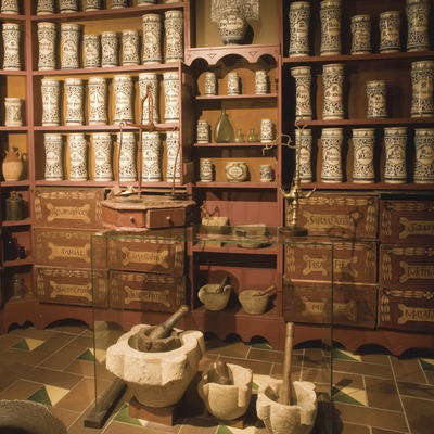 Reproducción de una antigua farmacia en el Museo Comarcal de la Conca de Barberà  (Miguel Raurich)