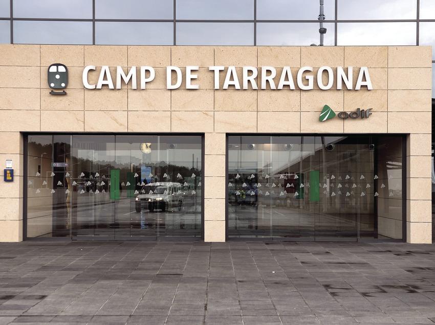Entrada de l'estació de l'AVE al Camp de Tarragona  (Tina Bagué)