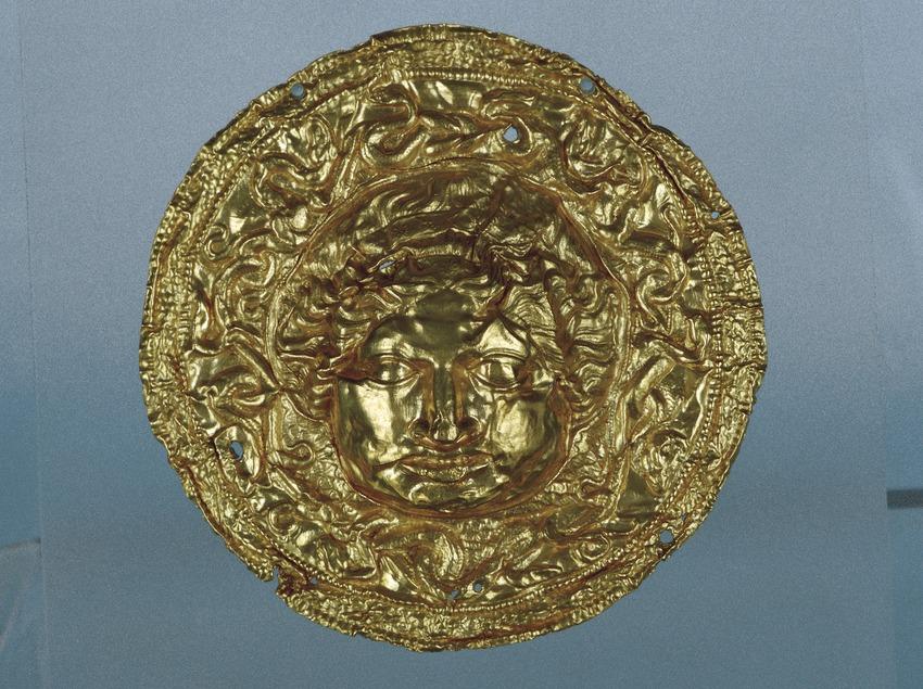 Disc d'or. Medusa (segles V - II a.C.). Museu d'Arqueologia de Catalunya (Imagen M.A.S.)