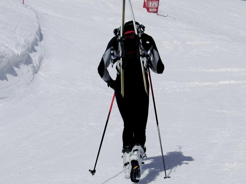 Лыжник на горнолыжном курорте Мазелья (Nano Canas)