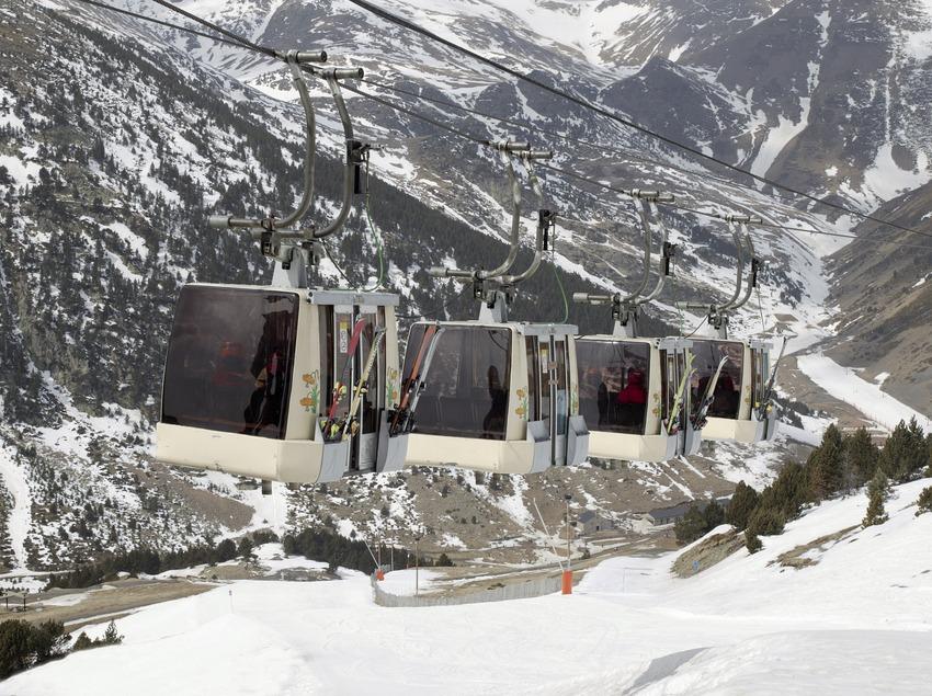 Teleférico en la estación del Vall de Núria (Nano Canas)