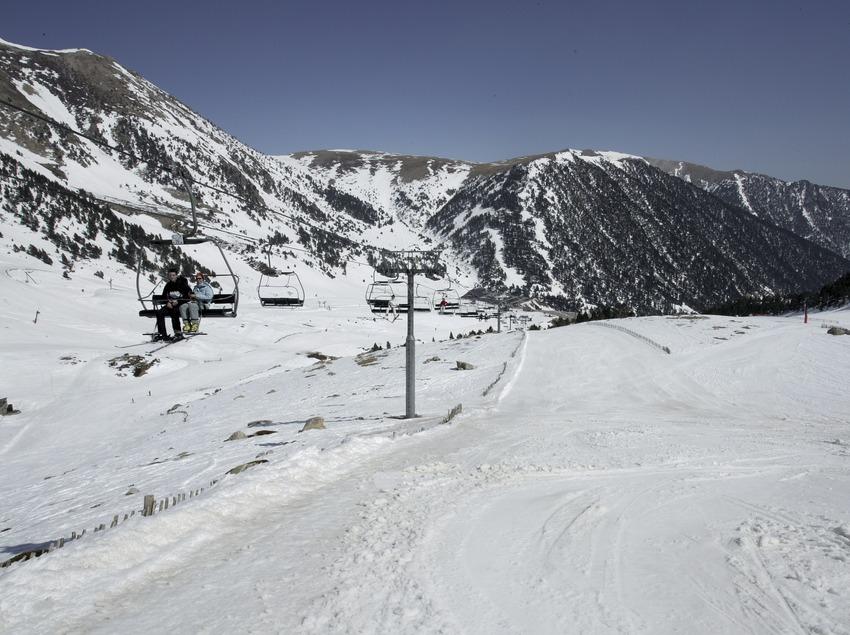 Telecadira a l'estació d'esquí de Vallter 2000 (Nano Canas)