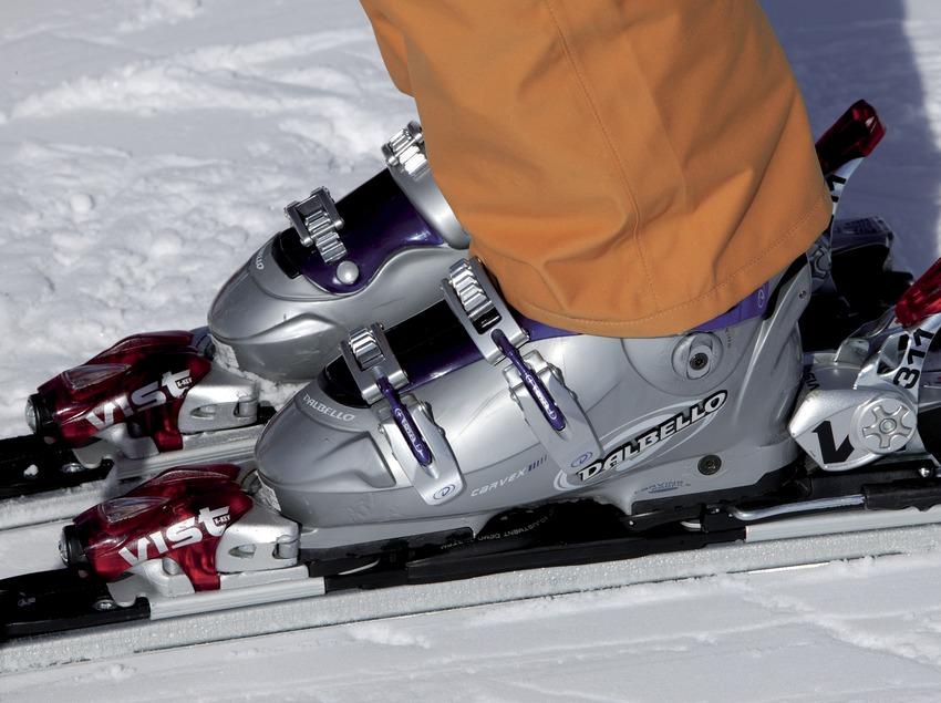 Premier plan de skis